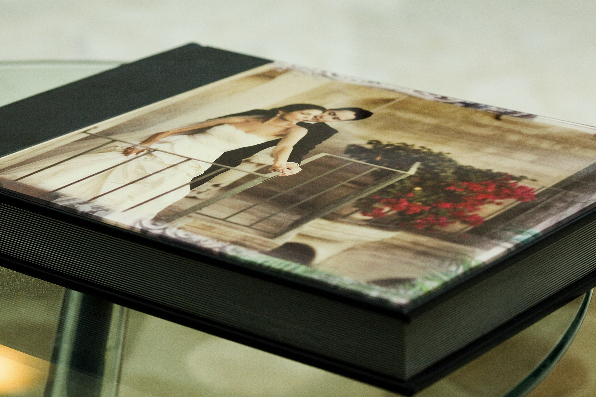 is different between Flush Mount Wedding album and Coffee table